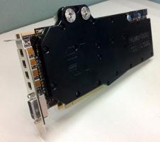 Beitragsbild: Powercolor zeigt wassergekühlte Radeon HD6990